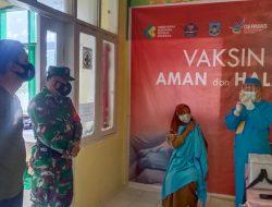 TNI-Polri Kawal Vaksinasi Tahap II Totikum