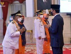 Presiden Lantik Gubernur dan Wakil Gubernur Sulawesi Tengah di Istana Negara