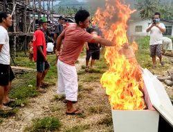 Di Malanggong, Keluarga Marah Tolak Jenazah Dinyatakan Covid-19 sampai Bakar Peti Jenazah